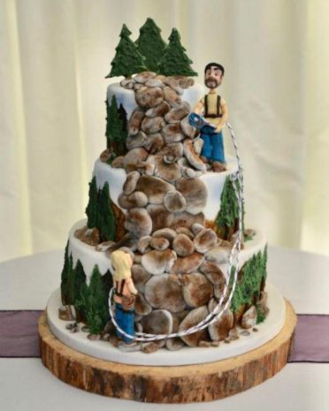 Rock climbers personalised wedding cake