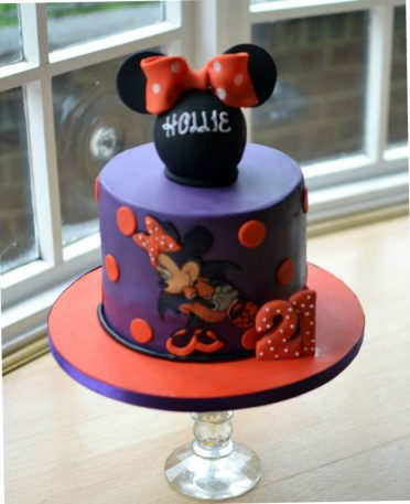 Halloween Minnie Mouse cake