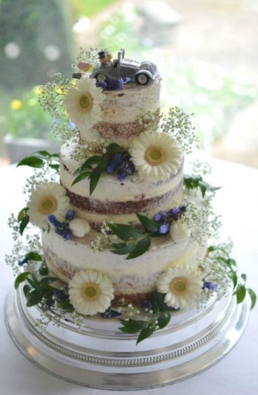 Semi-naked wedding cake at Italian Villa