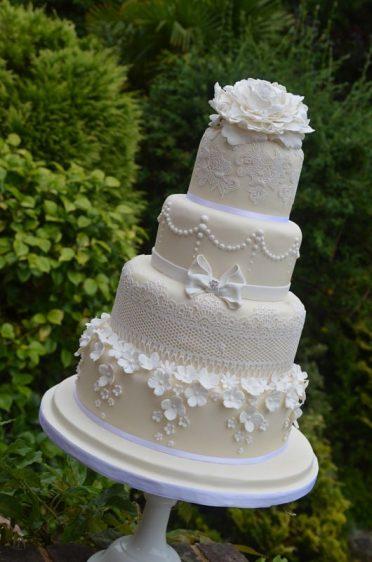 Lace & flowers wedding cake