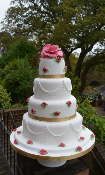 Royal icing piped with Mini roses wedding cake