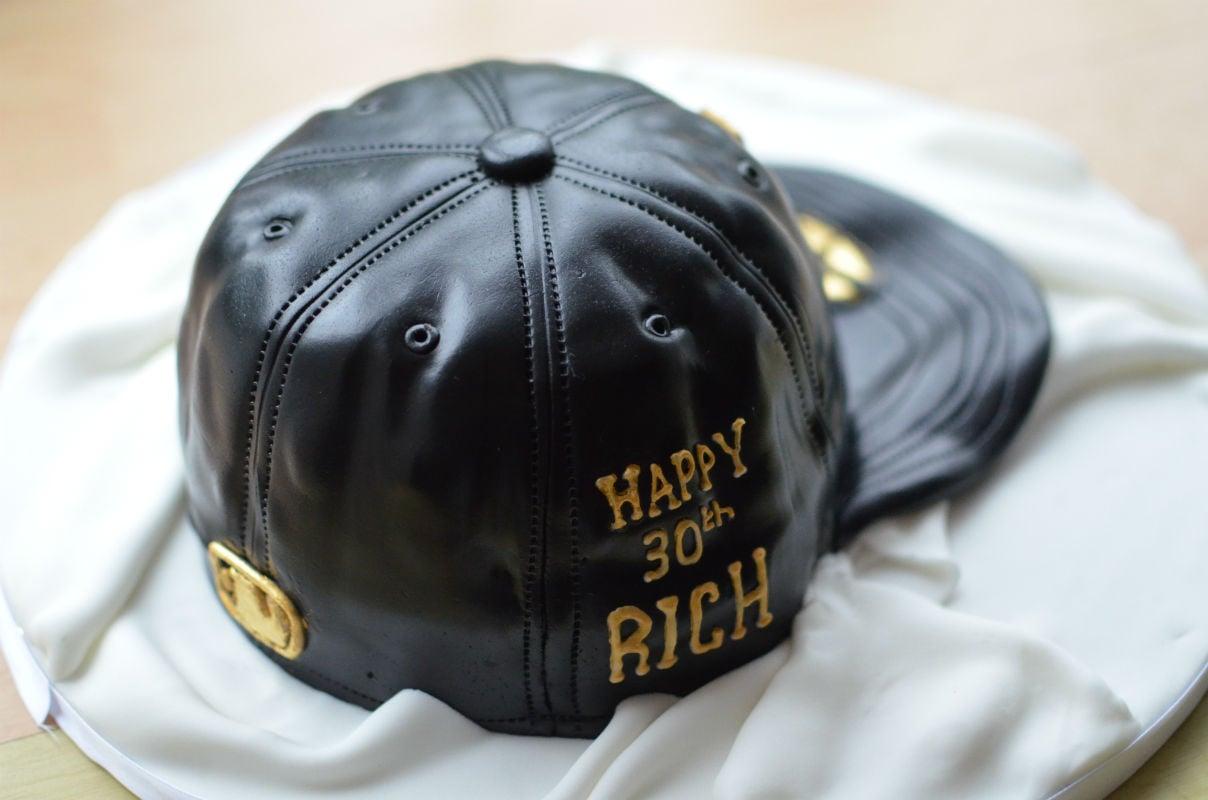 417a72b1aec Personalised baseball cap cake -
