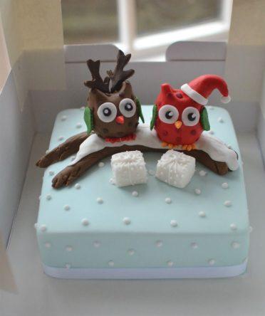 Owls Christmas cake