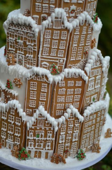 Close up of gingerbread wedding cake.