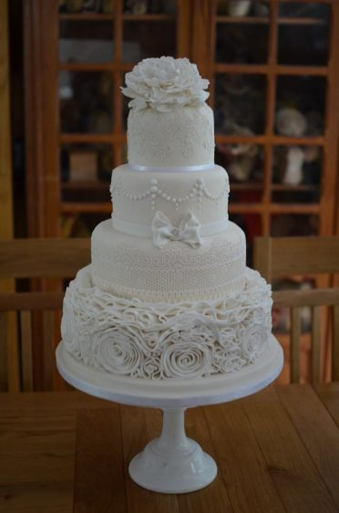 Ruffles & lace wedding cake