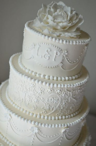 Vintage Royal Iced wedding cake