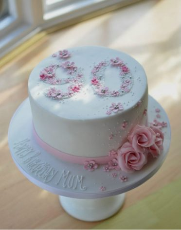 90th roses birthday cake.