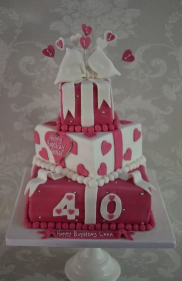 40th Pink hearts & bow cake