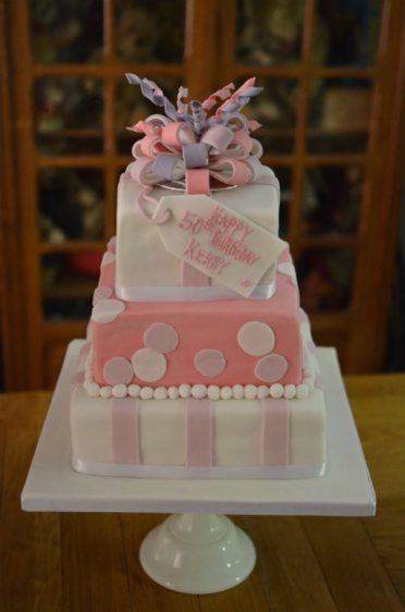 3 tier with sugar bow