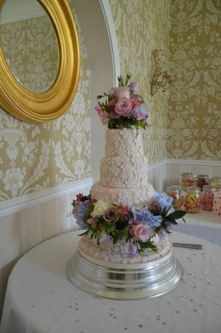 Lace wedding cake East Close Hotel