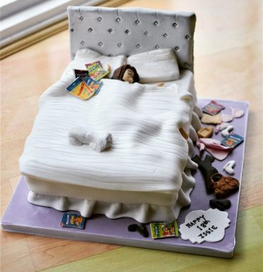 Teenagers bedroom cake