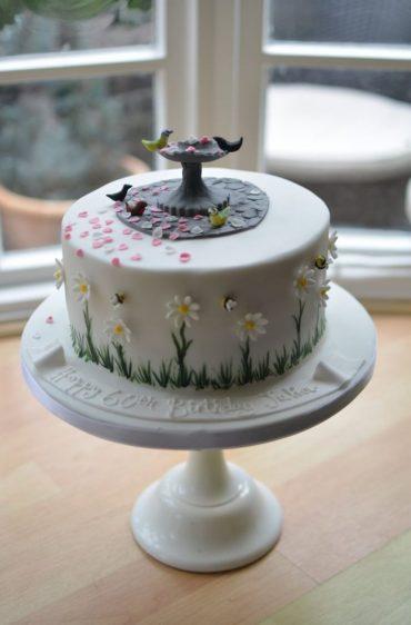 Bird bath & daisies cake