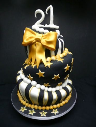 black-and-gold-cake