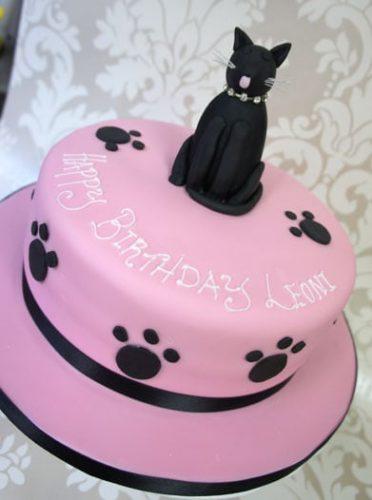 black-cat-cake
