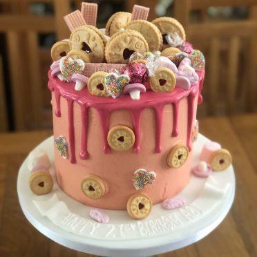 Cookies drip cake
