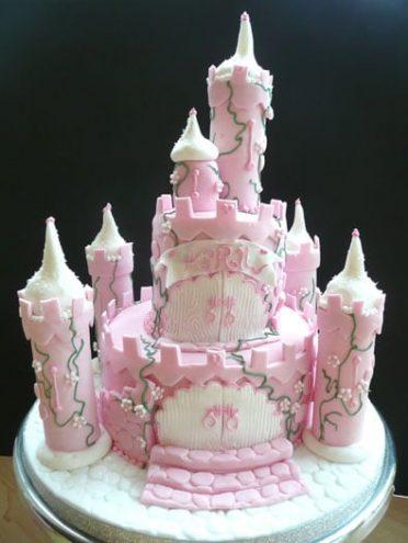 fairy-tale-castle-cake