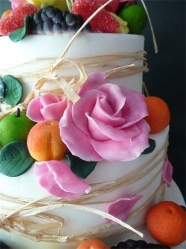 fruit-flowers-cake