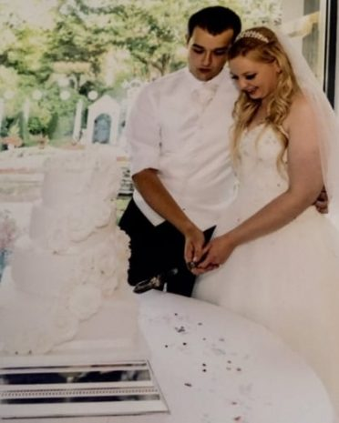 Cake cutting at Italian Villa