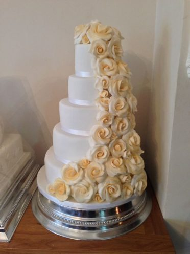 5 Tiers cascading roses