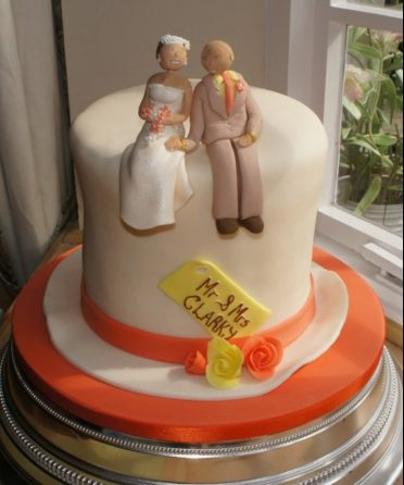 Top hat wedding cake