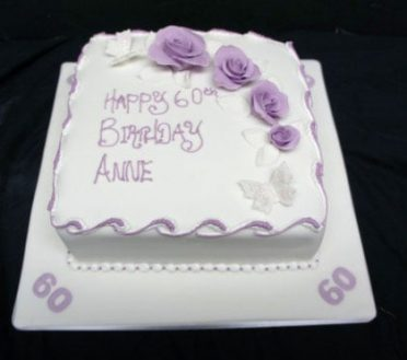 purple-flowers-cake