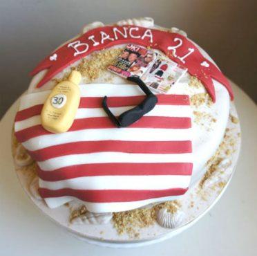 sunbathing-cake-2