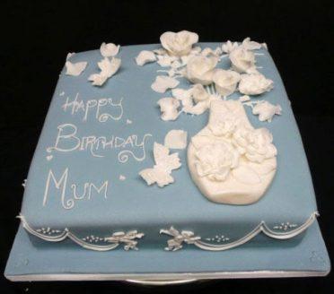 vase-flowers-cake