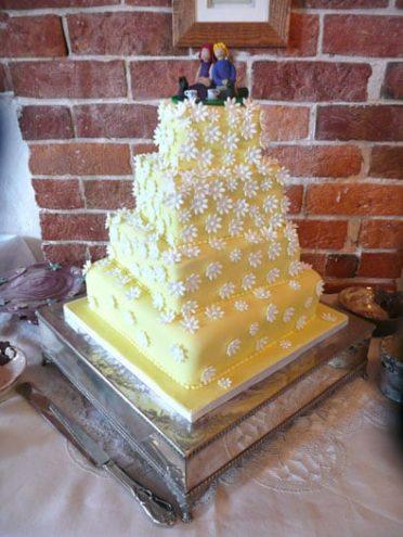 Daisies wedding cake at Sopley Mill