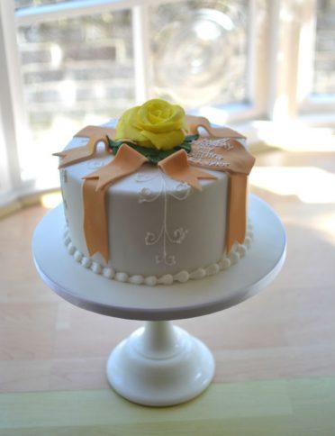 Yellow rose birthday cake