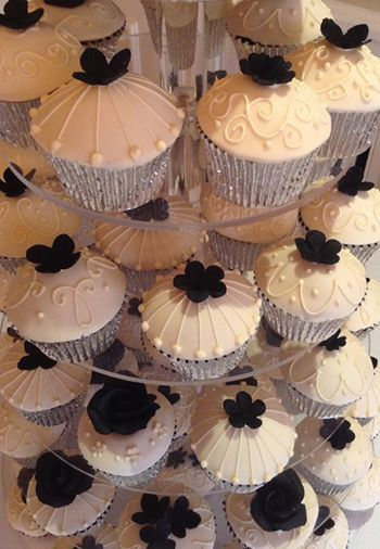 Couture piped cupcakes