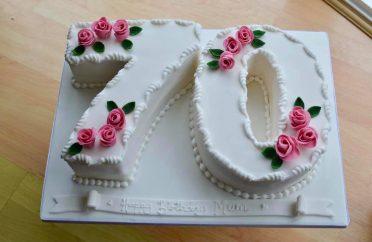 70 numbers birthday cake