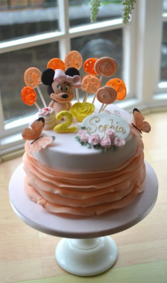 Minnie Mouse ruffles birthday cake
