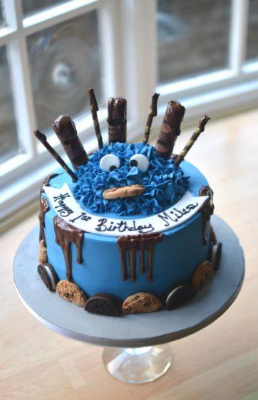 Cookie monster cake. I love cookies!