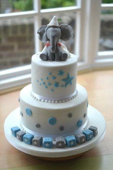Blue and white Dumbo cake.