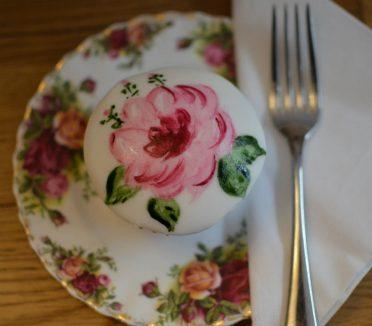 Hand painted rose cupcake