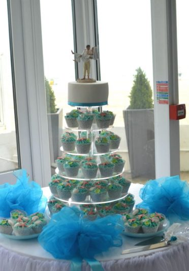 Shell cupcakes beach wedding at FJB Sandbanks Hotel.