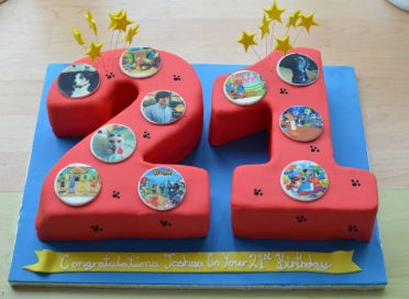 21 Toon Town personalised birthday cake.