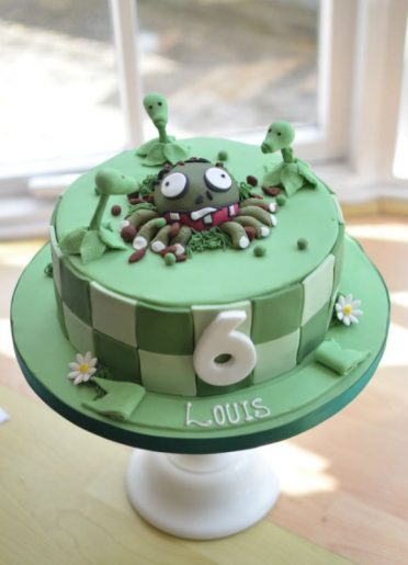 Plants vs Aliens birthday cake