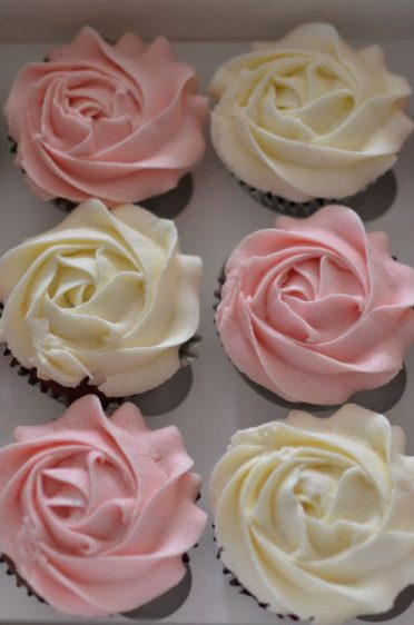 Party favor cupcakes for the mums