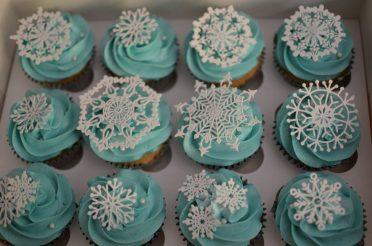 Lace Frozen snowflakes