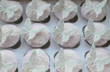 Butterflies & Lace cupcakes.