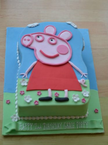 Peppa Pig large cut out cake.