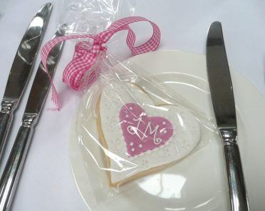 white-love-heart-cookie-2