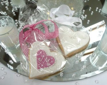 white-love-heart-cookie-7