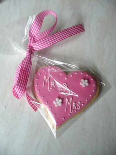 Mr & Mrs Wedding Favours